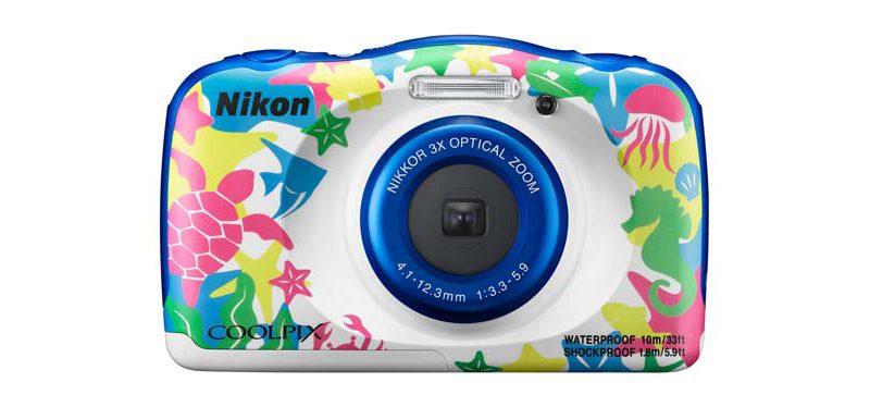 マリン柄ボディの水中カメラ 「NIKON COOLPIX W100」、登場!
